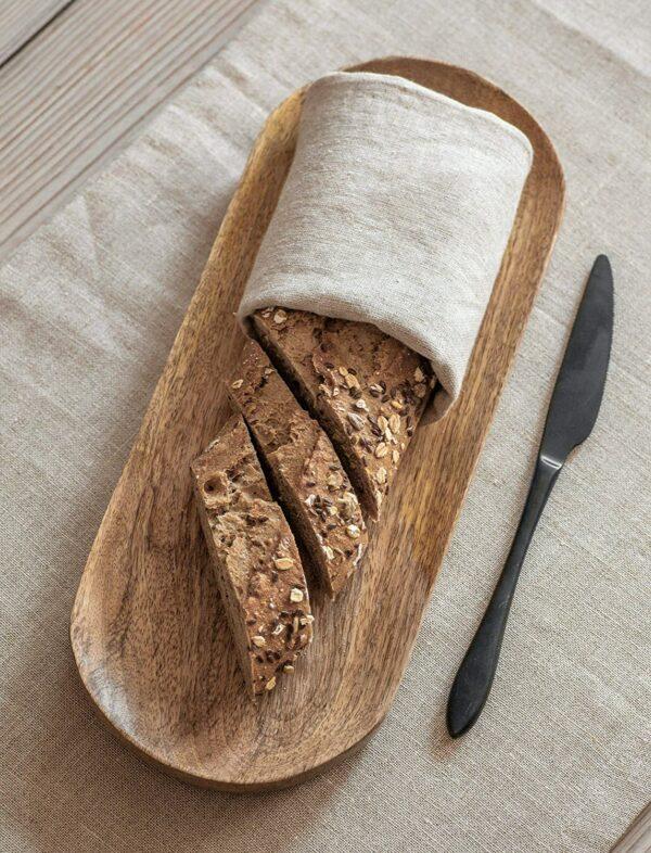 bread serving broad