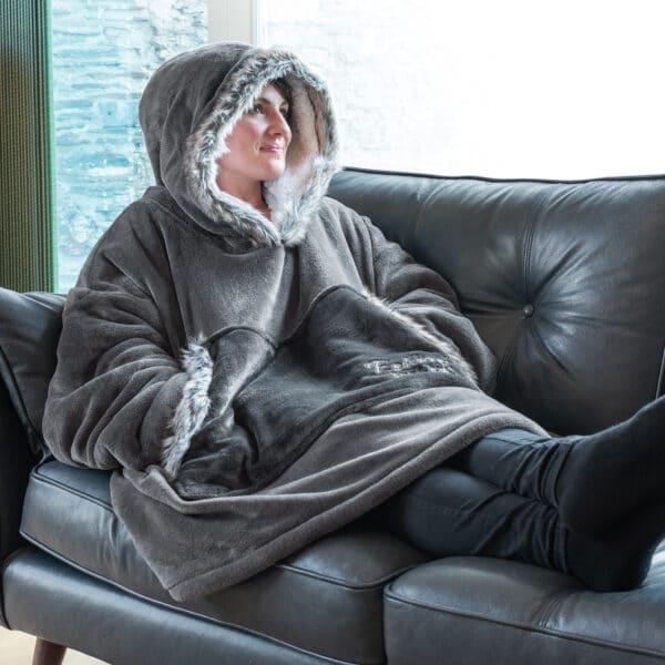 Snug-Rug Eskimo Hoodie Blanket
